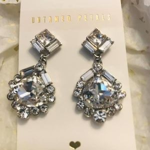 Untamed Petals Earrings
